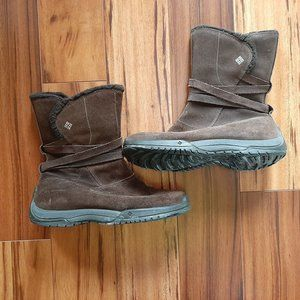 Women's Columbia Winter Boots - Size 10